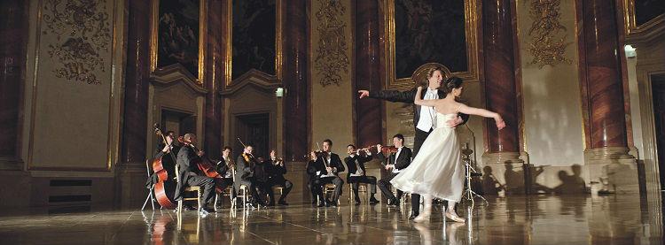 Dancing couple - Scenic Enrichment