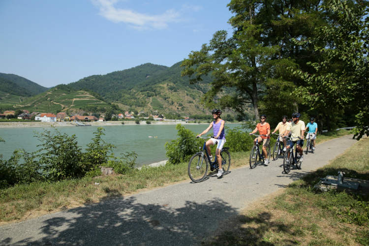 Group tour along the Danube