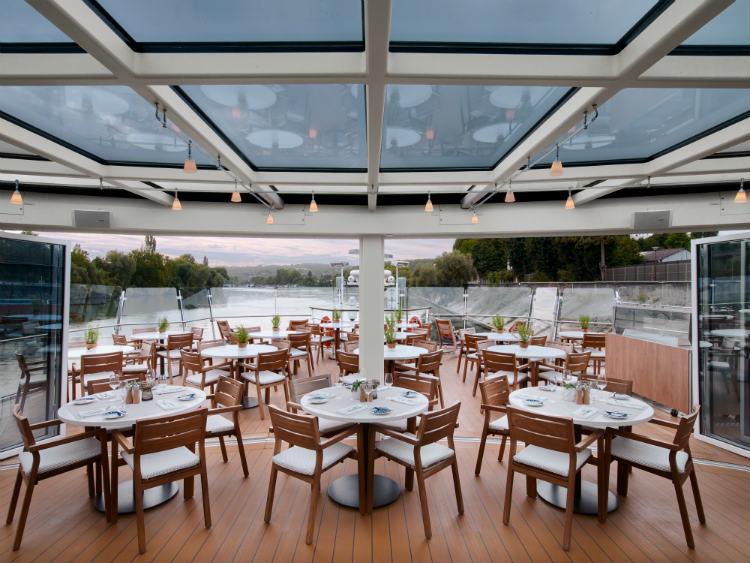 Viking alfresco dining at Aquavit Terrace