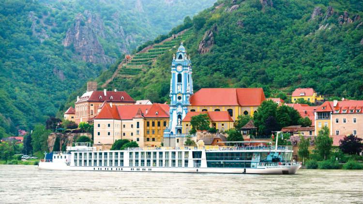 APT Cruises - Sailing along the river