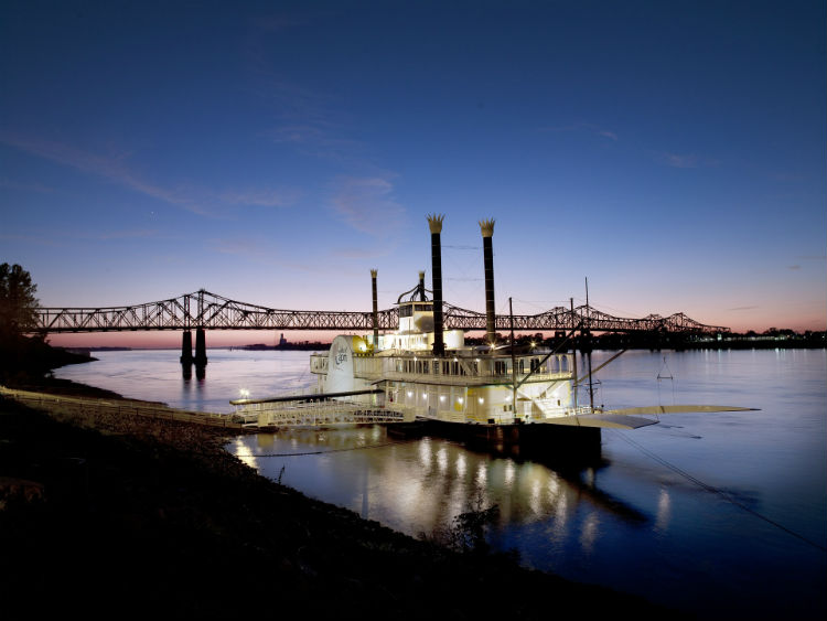 American Steamboat on the Mississippi