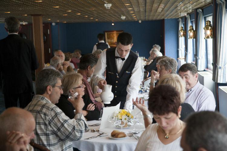 CroisiEurope - Dining room