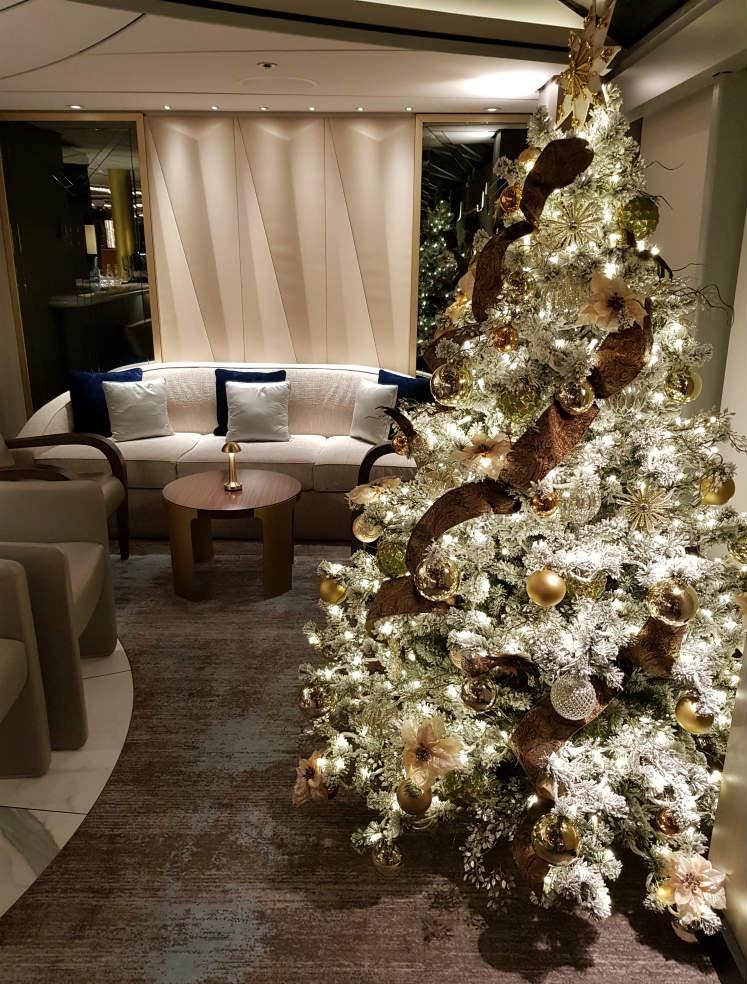 Crystal Debussy - Festive decorations