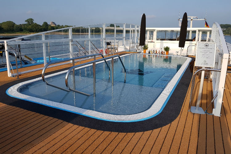 Swimming Pool - AmaMora - AmaWaterways