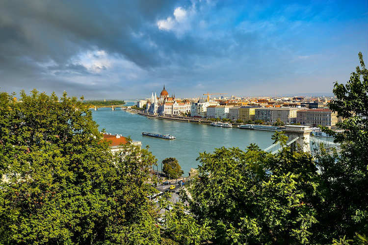 River Danube running through the centre of Budapest