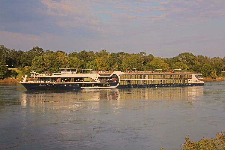 Avalon Poetry along the Rhone