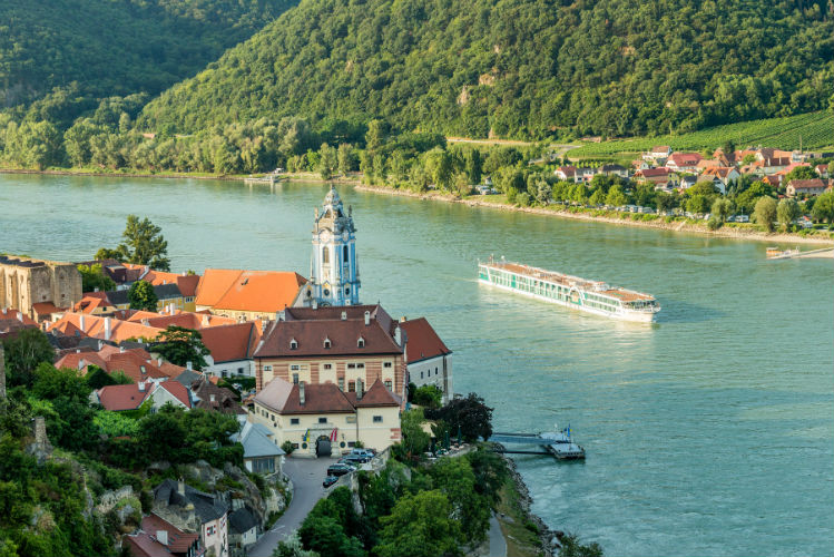 Amadeus Silver - Sailing on the Danube